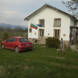 Hotel Pictures: House Keranov, Belovitsa