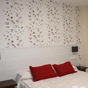 Hotel Pictures: Hostal San Roque, Guadalajara