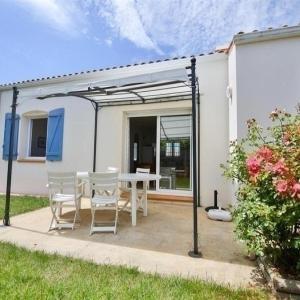 Hotel Pictures: Villa au Calme, Saint-Gilles-Croix-de-Vie