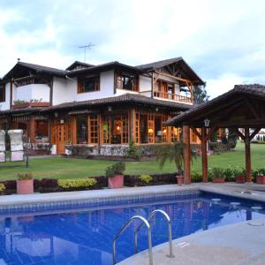 Hotel Pictures: Casa d'Campo Tababela Hotel Boutique, Tababela