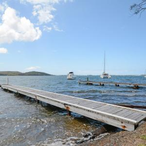 ホテル写真: Carey Bay Views on Lake Macquarie, Fishing Point
