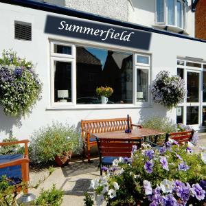 Hotel Pictures: Summerfield Guest House, Bridlington