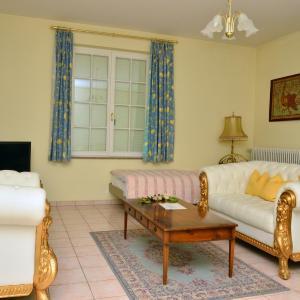 Hotel Pictures: Weingut und Hotel Haus am Drachenloch, Bad Honnef am Rhein
