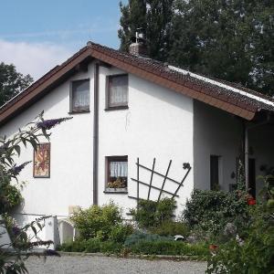 Hotel Pictures: Ferienwohnung Elinore Meier, Öhningen