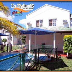 Hotel Pictures: Bungalows La Daimale, Colón