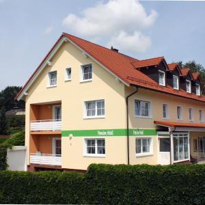 Hotelbilleder: Pension Heidi, Langenbruck