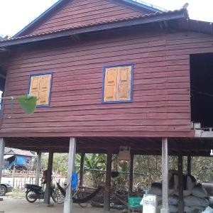 Foto Hotel: Khmer Home Stay With Friendly Host, Phumĭ Thlat