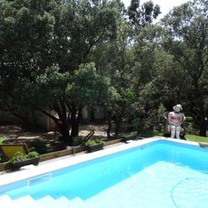 Hotel Pictures: Maison De Vacances Ii - Grans, Grans