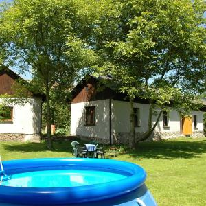 Hotel Pictures: Holiday Home Vakantiehuis Hrabetova, Skrýšov