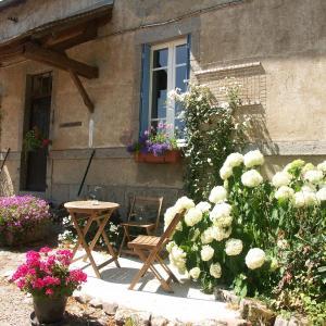 Hotel Pictures: Apartment Gîte Sioullet, Montaigut-en-Combraille