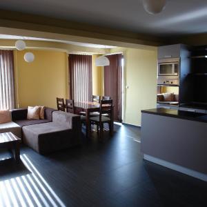 Foto Hotel: Apartments in Botabara Building, Pomorie