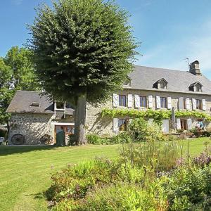 Hotel Pictures: Villa Le Tilleul 8P, Lavignac