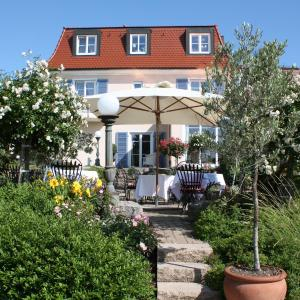 Hotel Pictures: Hotel Villa Seeschau - Adults only, Meersburg