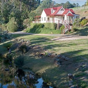Hotelbilleder: Crabtree Riverfront Cottages, Huonville