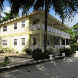 Hotel Pictures: Southern Shores Resort, Placencia Village
