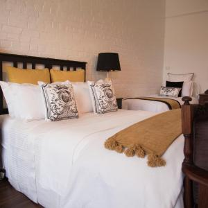 Hotel Pictures: Chiltern Cottage and Indigo Suite, Chiltern