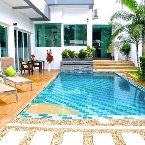 Hotellikuvia: CUBE 3 bedrooms Villa, Rawai Beach