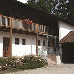 Hotelbilleder: Gästehaus Leithen, Bad Birnbach