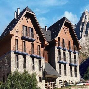 Hotel Pictures: Apartahotel Tres Quiñones, Sallent de Gállego
