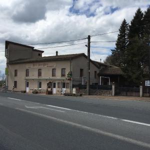 Hotel Pictures: Hôtel Saint Pierre, Les Sauvages