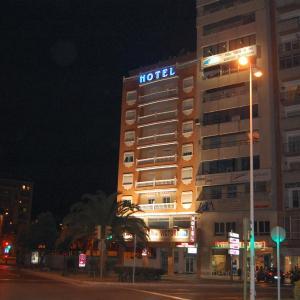 Hotel Pictures: Hotel Marina Victoria, Algeciras