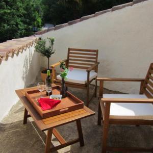 Hotel Pictures: Capricorne Gites, Rochegude-Gard