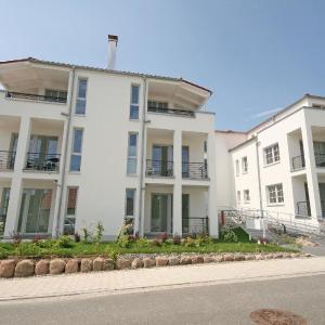 Hotel Pictures: Villa Antje - Ferienwohnung 12, Göhren