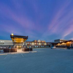 Hotel Pictures: Heritage Inn Hotel & Convention Centre - Pincher Creek, Pincher Creek