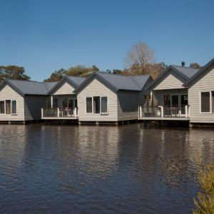 Photos de l'hôtel: Lakeside Villas at Crittenden Estate, Dromana