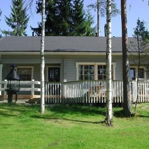 Hotel Pictures: Ylä-Saarikko Holiday Cottages, Kuusa