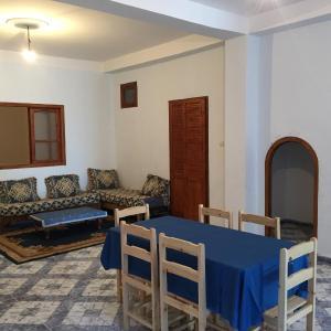 Hotel Pictures: Appartements centre Ain Turk et vue Mer, 'Aïn el Turk