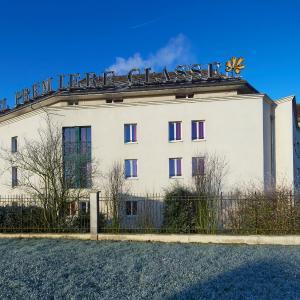 Hotel Pictures: Première Classe Marne la Vallée Bussy Saint Georges, Bussy-Saint-Georges