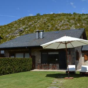 Hotel Pictures: Chalet de Montaña, Isóbol