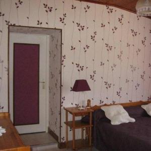 Hotel Pictures: Rental Gite Touvois, Touvois