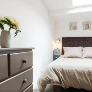 Hotel Pictures: Rental Gite La Petite Maison Du Moulin, Frossay