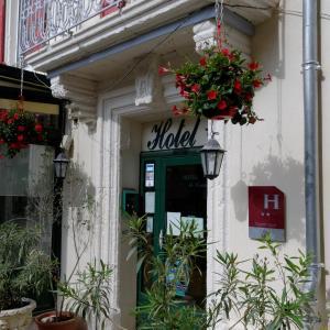 Hotel Pictures: Hotel Du Commerce, Pont-Saint-Esprit