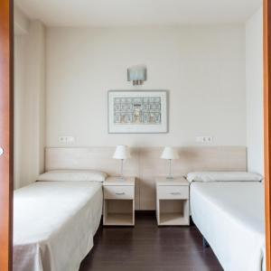 Hotel Pictures: Residencia Universitaria Giner de Los Ríos, Alcalá de Henares