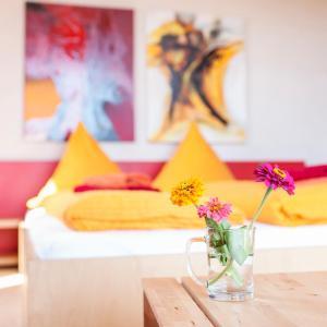Hotel Pictures: Selbstgemacht, Arnsgrün