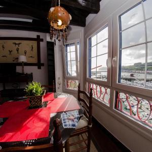 Hotel Pictures: Andra Mari Portua, Bermeo