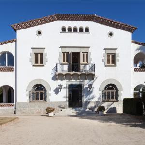 Hotel Pictures: Villa Maresme, Cabrils