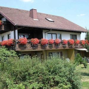 Hotelbilleder: Ferienwohnungen Tröndle im Rosendorf, Weilheim