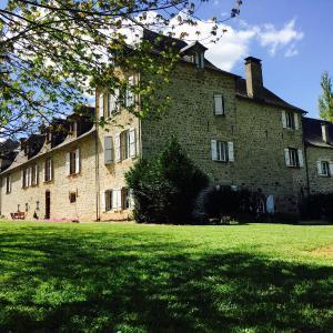 Hotel Pictures: La Demeure du Comte, Salles-la-Source