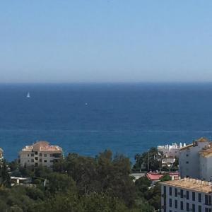 Hotel Pictures: Seaview Penthouse, Mijas Costa