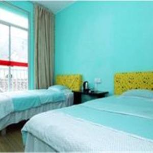 Hotel Pictures: Leisure Summer Flower Guesthouse, Yangshuo