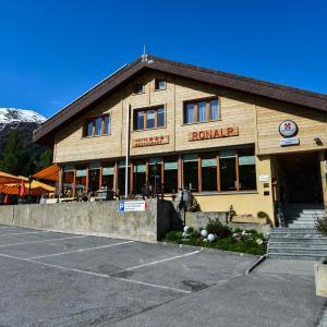 Hotel Pictures: Hotel-Restaurant Ronalp, Bürchen