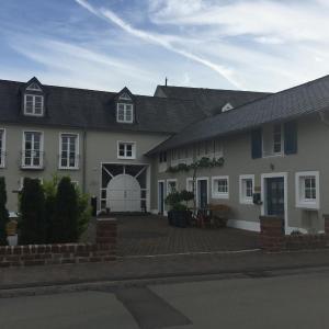 Hotel Pictures: Ferienwohnung Stübchen, Salmtal