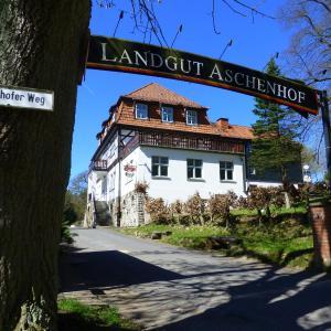 Hotel Pictures: Hotel Landgut Aschenhof, Suhl
