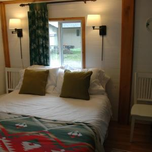 Hotel Pictures: The Rusty Antler Cabin B&B, Clearwater