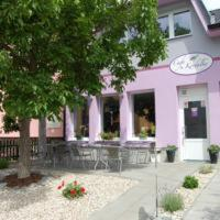 Hotel Pictures: Apartmán Café u Kordulky, Ratíškovice