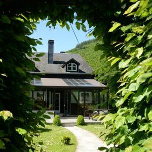 Hotellbilder: Holiday Home Les Pieds Dans L Eau, Mouzaive